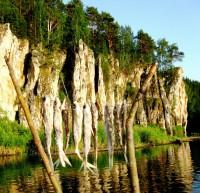 река Чусовая,Урал, камень Шайтан и уклейка. - Наталья Троицына
