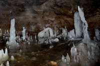 ледяные сталагмиты во входном гроте,в пещере Киндерлинская - Андрей Иванченко