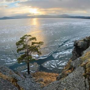 Озеро Тургояк. Фото: В. Губко