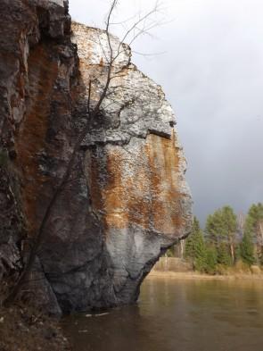 Максимов камень – поворотный знак. Автор: Михаил Латышев