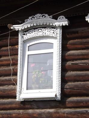 Пластиковые окна с наличниками. Село Кын на Чусовой.. Автор: Михаил Латышев