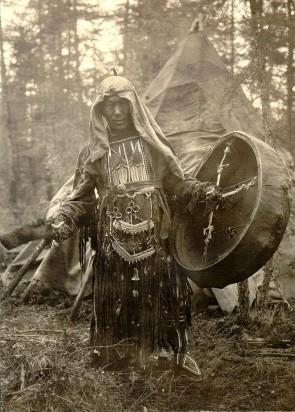 Пиля – шаман эвенков. Автор: Фото из экспедиции И.М. Суслова 1926-27 гг.
