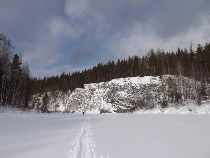 Сахарная стена Сибиряка будто перегородила реку. Автор: Михаил Латышев