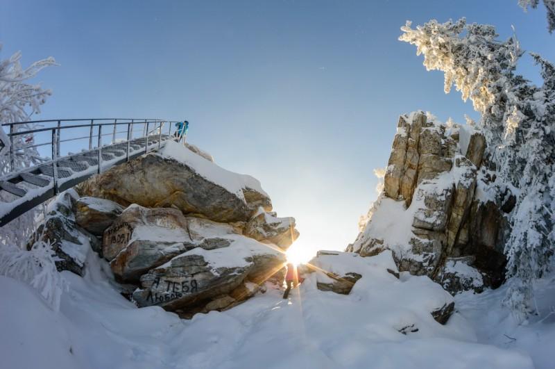 Лестница на смотровую площадки Чёрной скалы. Автор: Константин Теличко