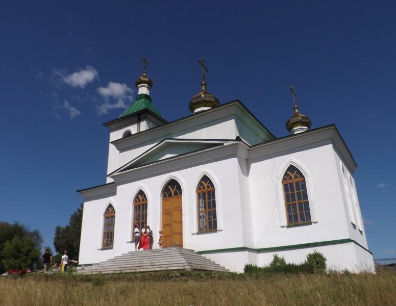Нижнедеревенцы еще в 1777 г. хотели построить у себя церковь.. Автор: Михаил Латышев