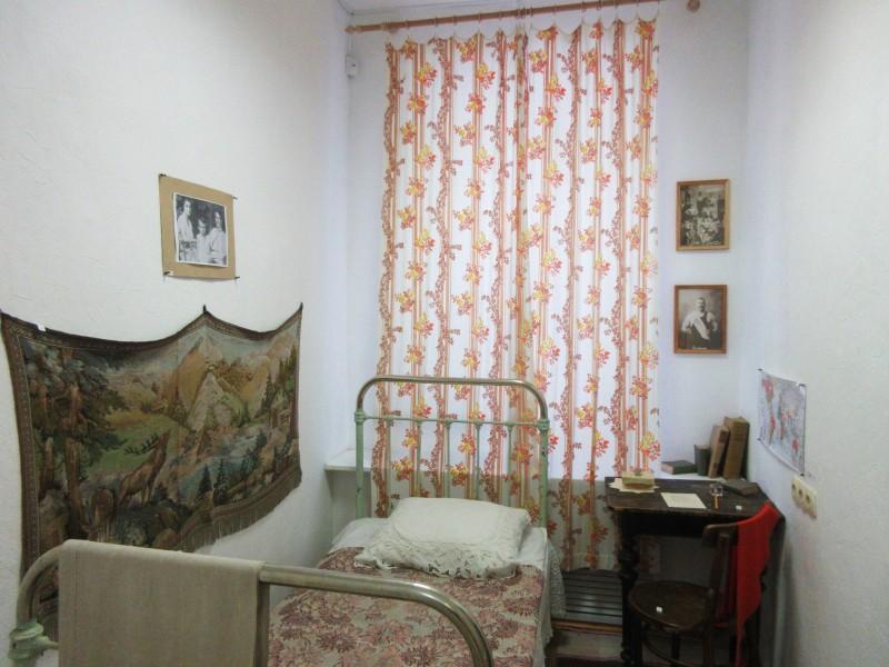 Примерно так выглядела комната маленького Булата. Автор: Михаил Латышев