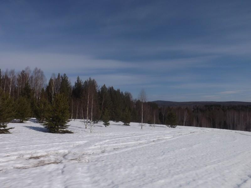 Апрель на Чусовой. Вид на гору Сабик. Автор: Татьяна Латышева