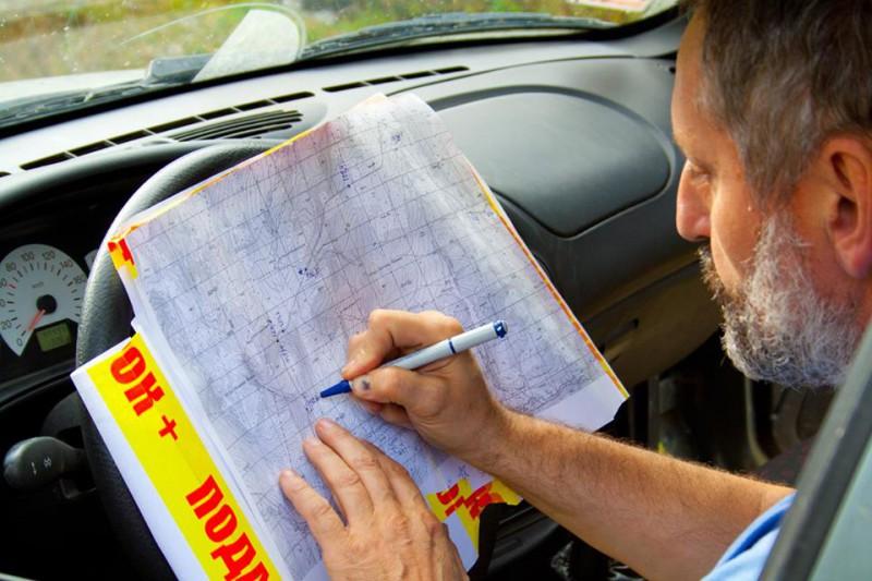 Николай Рундквист, работа с картами. Автор: не установлен
