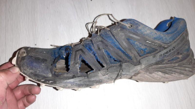 В этом маршруте Кирилл «убил» 4 пары кроссовок. Сменную обувь ему передавали вместе с продуктами. Автор: из личного архива Кирилла Фронюка
