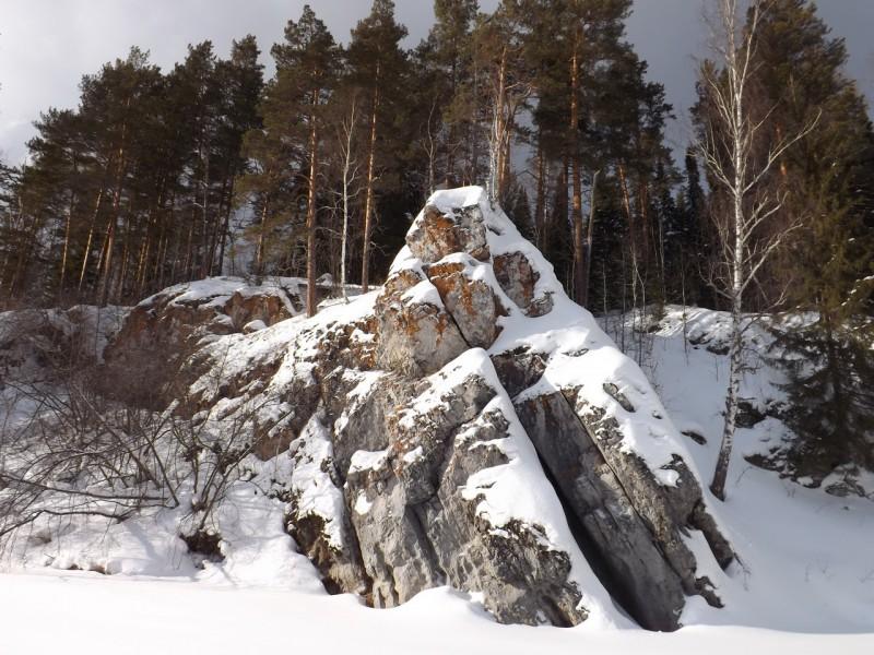 Гряду из небольших скал назвали Курочкой. Автор: Дмитрий Латышев