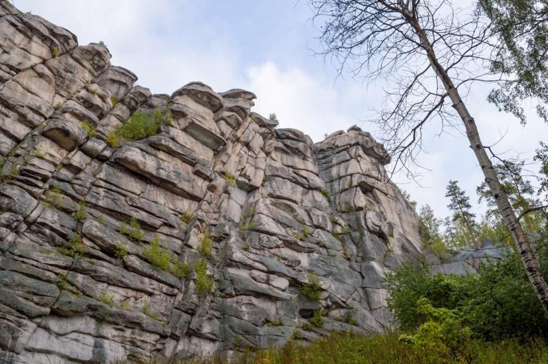 Сами камни сложены таким образом, что напоминают Великую Китайскую стену. Автор: Константин Теличко