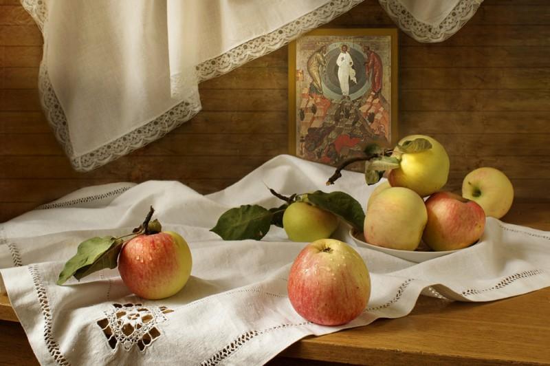 Натюрморт с яблоками. Автор: пользователь @Луна, фотосайт