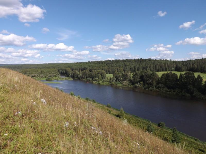 Здесь, на левом берегу Чусовой, когда-то шумел бор девственного леса.. Автор: Михаил Латышев