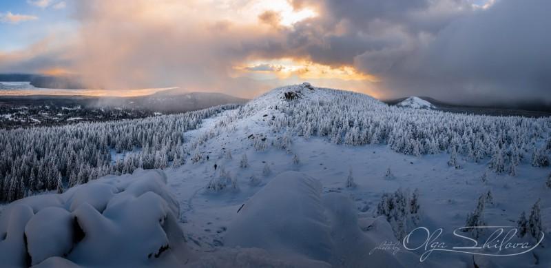 На вершине хребта Зюраткуль. Автор: Ольга Шилова