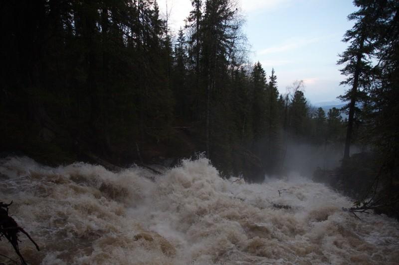 Жигалан из спокойной горной речушки превратился в бурлящий поток ПОСЛЕ. Автор: Евгений Жаравин