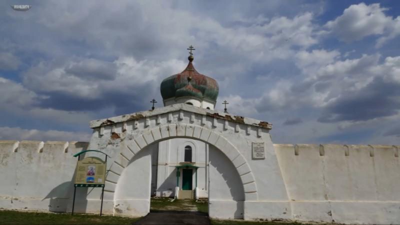 Николаевская крепость, вход и стены. Автор: не известен