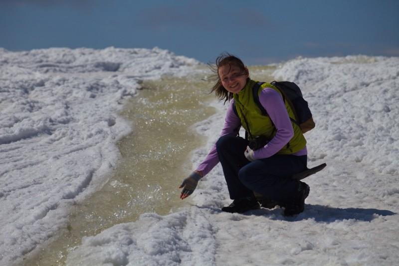 Да это ручей из талой воды и снега течёт прямиком с плато. Автор: Евгений Жаравин
