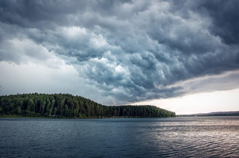 Озеро Аракуль под грозой, 22.07.2017. Автор: Ирина Биктимирова