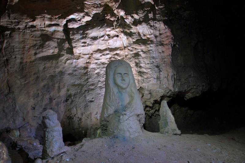 Пещера Дивья. Автор: Евгений Банников