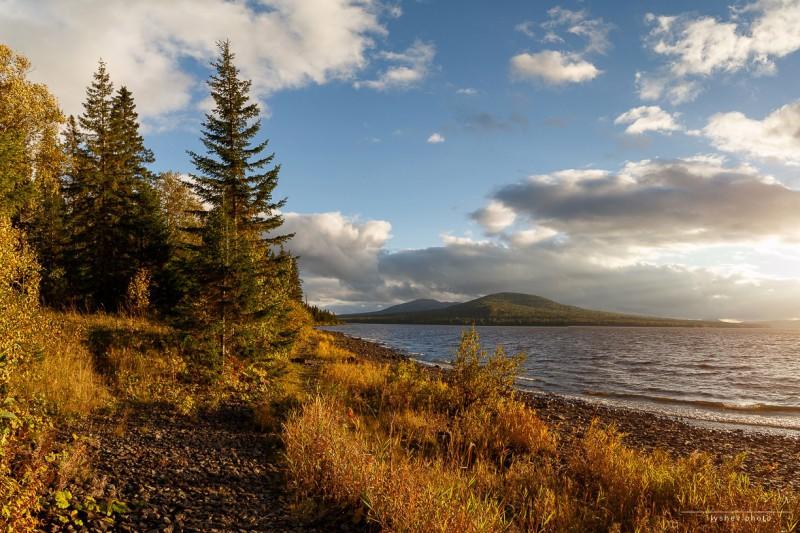 Осень на Зюраткуле. Автор: Дмитрий Илышев