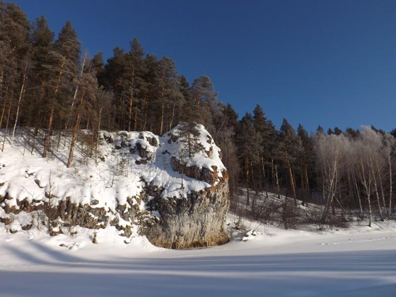 Первой на правом берегу возвышается южная башенка бойца Висячего.. Автор: Михаил Латышев