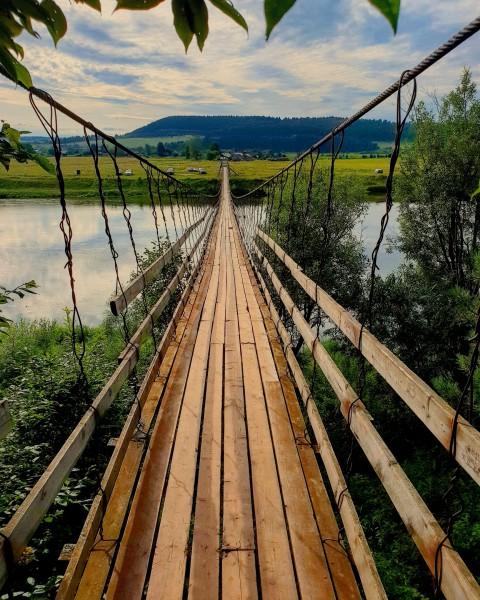Подвесной мост через Лысьву. Автор: Антон Осокин