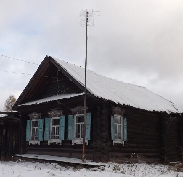 Дом в деревне Волыны близ Староуткинска.. Автор: Михаил Латышев