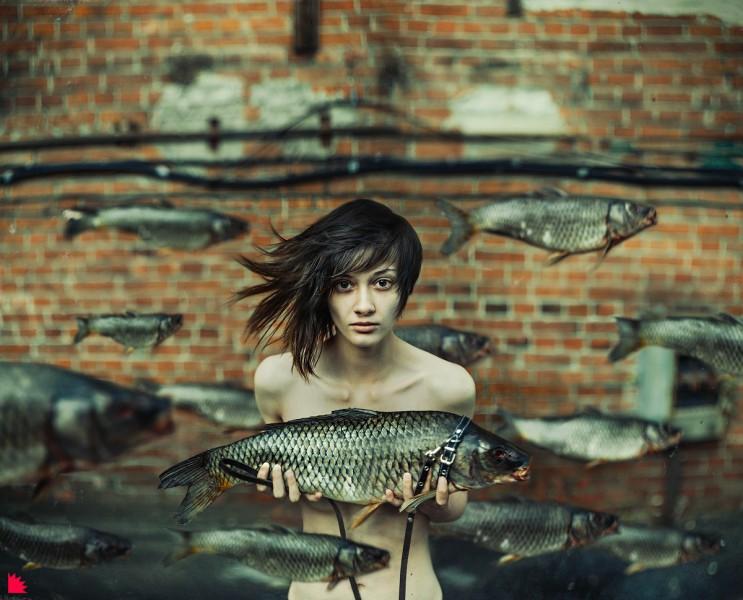 Прогулка с рыбой. Автор: Александр Ежъ Осипов