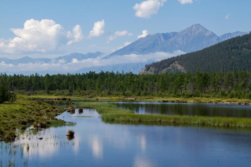 На мысу Котельниковском есть несколько небольших озерцов. Автор: Александр Ермаков