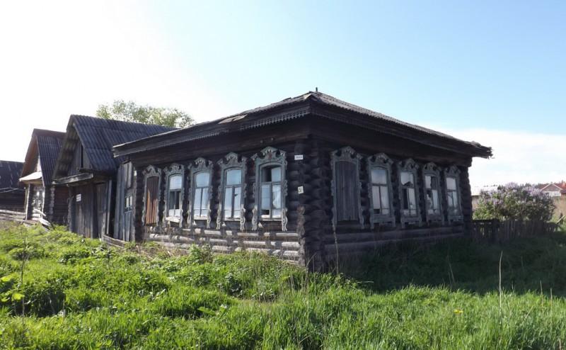 Старинный дом в селе Краснояр с интересными наличниками. Автор: Михаил Латышев