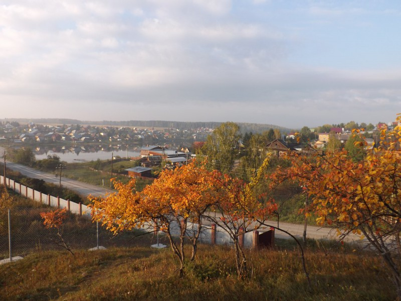 Вид на деревню Каменку с Кукушкина камня.. Автор: Михаил Латышев