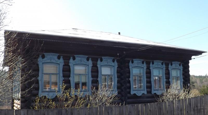 Дом в Нижнем Селе на Чусовой.. Автор: Михаил Латышев
