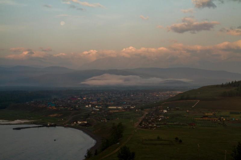 Байкальское еще спит. Автор: Александр Ермаков