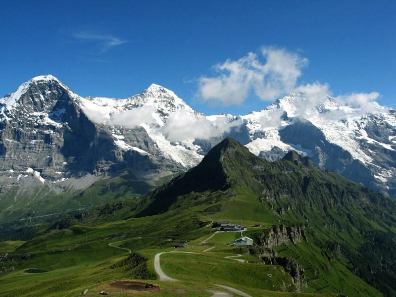 Швейцарские Альпы. На горизонте Юнгфрау. Автор: не установлен